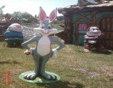 Baks Bani Tavşan Heykeli