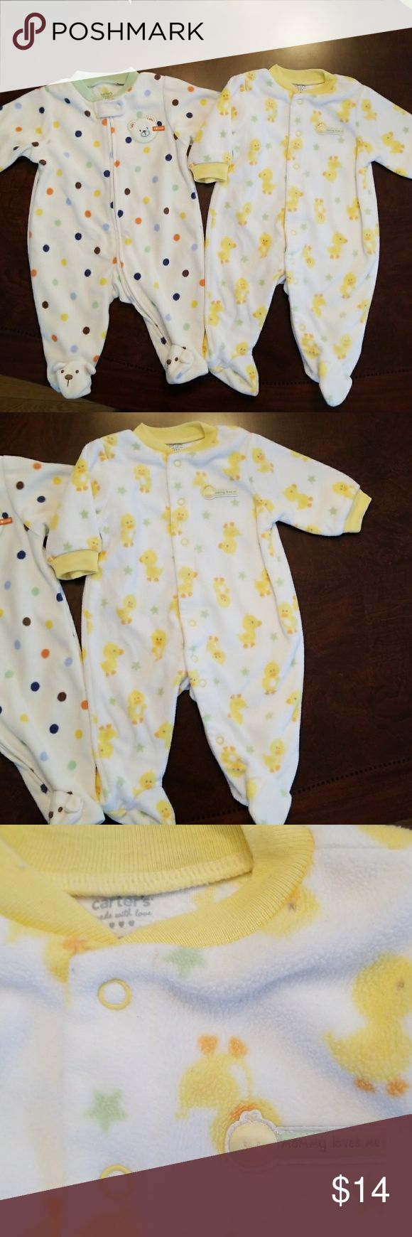 2 Carter's footed fleece pajamas 2 Carter's size 3 months footed fleece pajamas, white with ducks has snaps and the white with polka dots one has a full zip. Carter's One Pieces Footies