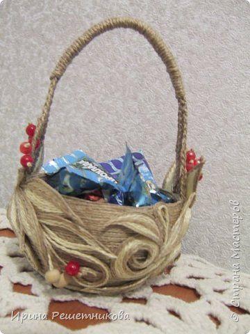 Приветствую ,СМ! Сегодня я с маленькой вазочкой -конфетницей. Хочу сделать несколько штук на Новогодние подарки,если терпения хватит на такой декор. фото 3