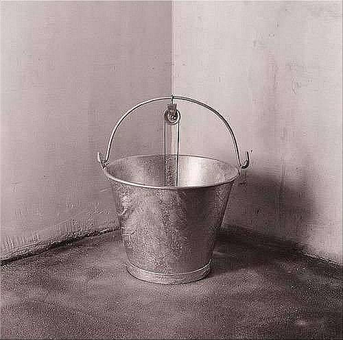 Photography » Chema Madoz – świat obiektów niemożliwych
