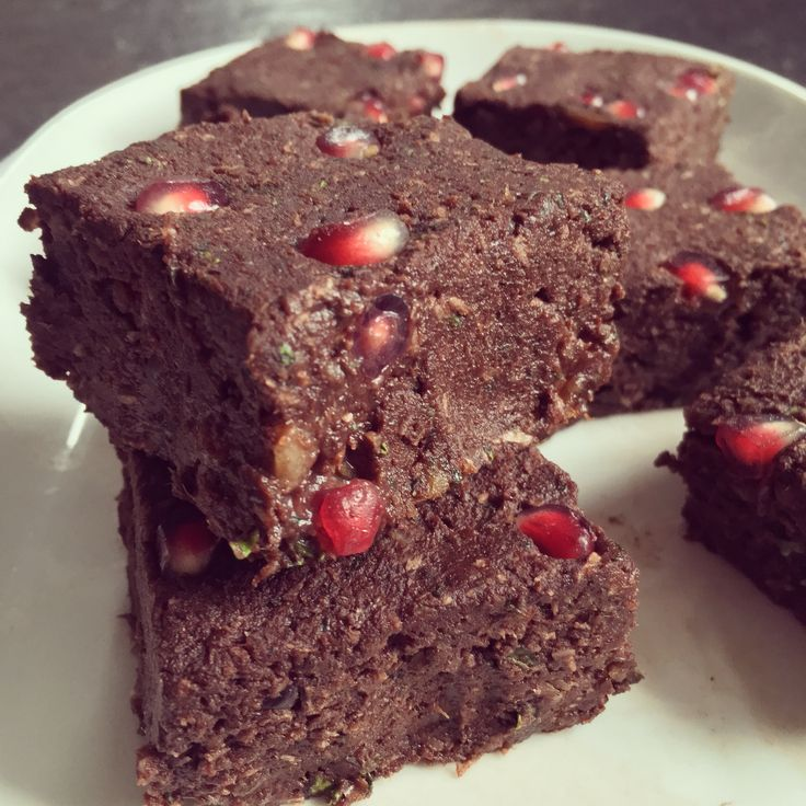Bowl & spoon - Brownies crus dattes & kale à la grenade