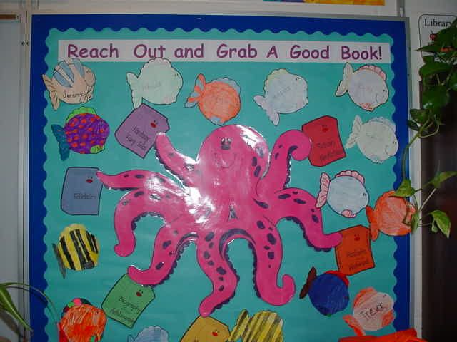back to school library bulletin boards - Bing ImagesLibrary Bulletin Boards, School Libraries, Libraries Bulletin Boards, Schools Libraries, Bing Image, Christian Bulletin Boards, Bulletinboards, Boards Ideas, Back To School