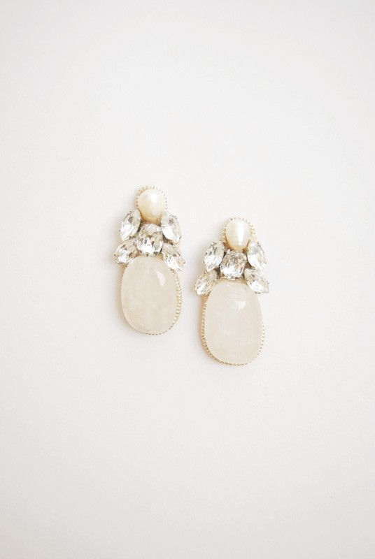 Crystal and pearl earrings, wedding beaded jewelry by Elibre handmade