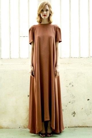 gabrielle greiss----oh i love this but would like it better with long sleeves and black!