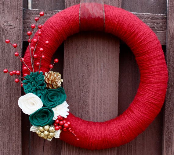 Red yarn Christmas wreath