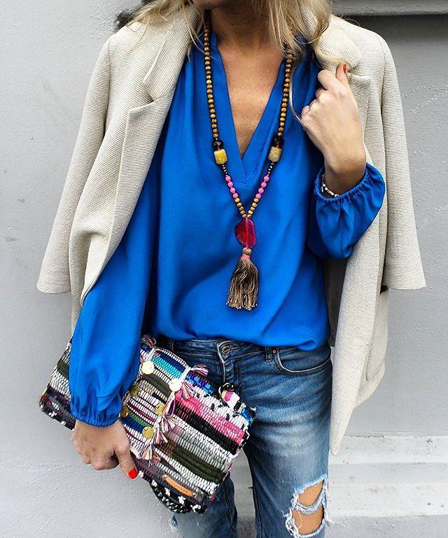 WEBSTA @ annamavridis - This evening in @aliceandtrixie blouse @dibadani.store necklace @kooreloo bag #zara #coloraddict