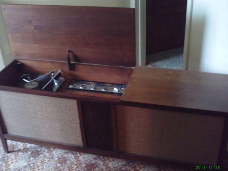 1965 Philco Record Player Am Fm Radio With Speaker
