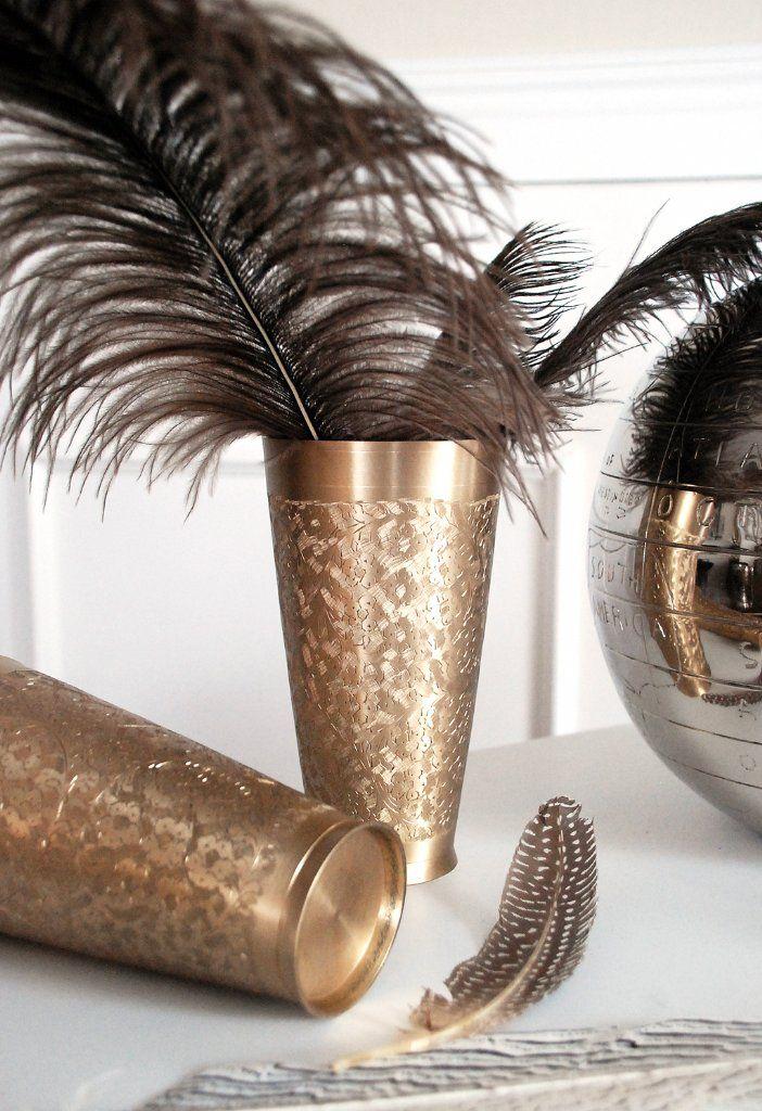 Vas i mässing med vackert präglat mönster. Brass vase. www.longcoastliving.se