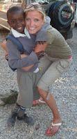 Tweelingmama: Net als in Afrika: 1 baby op de rug en 1 op de bui...