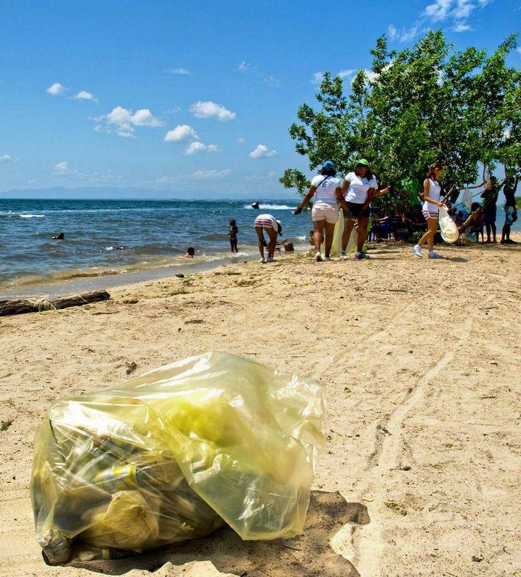Por séptimo año consecutivo estaremos en las playas de Miranda para celebrar el Día Mundial de las Playas.  Desde nuestros inicios hemos sido parte de esta campaña que se realiza en 152 países en los que se conoce como International Coastal Cleanup Day y reúne a millones de voluntarios trabajando a favor de la conservación de las costas. Venezuela aunque no lo creas figura siempre entre los primeros 8 países en términos de participación . Sí sabemos que no son tiempos fáciles en nuestro…