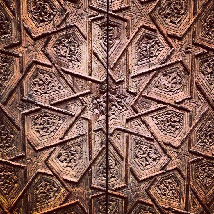 Best KÜNDEKARİ SANATI Images On Pinterest Islamic Art - Carved wood lace like lighting design inspired islamic decoration patterns