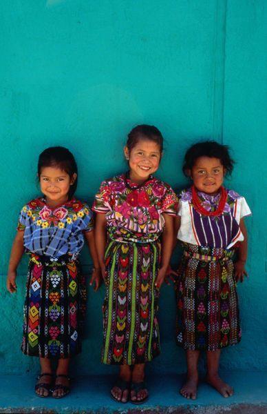 As lindas crianças da Guatemala, país cuja cultura inspirou a nova coleção Nossa Casa!