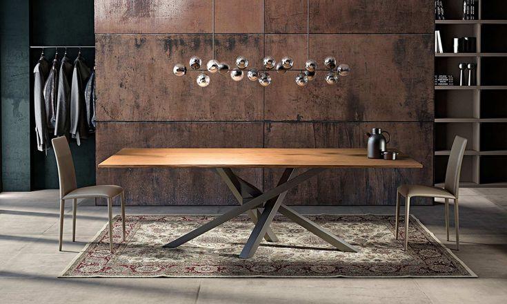 Il tavolo in legno Shangai vanta oltre duecento possibilità di personalizzazione tra diverse misure, colori, piani e tanto altro.