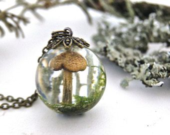 Terrarium necklace. Forest terrarium. Mushroom terrarium. Foresy jewellery. Nature inspired jewellery. Botanical necklace By OCEAN PETALS