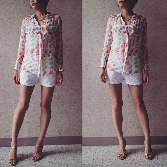 # #오늘 의 #아웃핏 #outfit for #today . . . . #ootd #daily #dailylook #슈스타그램 #옷스타그램 #팔로우 #follow #me #fashion #style #패션 #스타일 #줌마그램 #줌스타그램 #줌마스타그램 #instadaily #전신샷 #이큅먼트 #equipment #korea #zara #zarasale #korea #자라