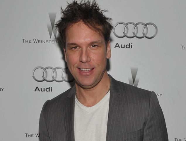 #Dane #Cook #apologizes for insensitive #Aurora #shooting joke, #Russell #Brand defends fellow #comedian (VIDEO)  That he went too far was the focus of Dane Cook's tweeted apology: 'My heart goes out to all of the families & friends of the victims.'  Read more: http://www.nydailynews.com/entertainment/gossip/dane-cook-apologizes-insensitive-aurora-shooting-joke-russell-brand-defends-fellow-comedian-video-article-1.1125117#ixzz22AmDPRih