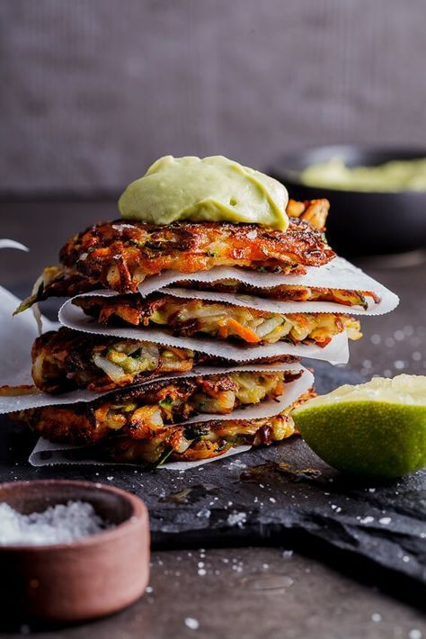 Vegan mixed vegetable Rösti with avocado cream - http://simply-delicious-food.com