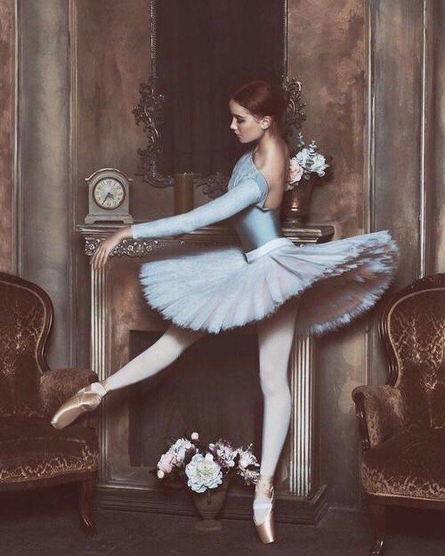 Ballerina in Blue (Bogdana Voloshina, model), photo by Berkas Lena, make-up by Nina Bercas, post production by Tatyana Obolenska