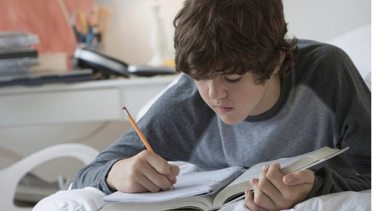 Does your student need to learn how to study? Here are two easy-to-remember ways to help your teen develop good study habits.