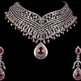 Wedding Jewellery Photos. Browse through thousands of Wedding Jewellery Photos for Inspiration and Ideas of Gold, Diamond Jewellery, Necklaces, Choker sets, Earrings, Bangles and more! | SayShaadi.com