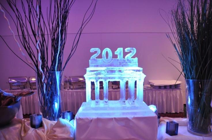 Eisskulpturen als Buffet-Dekoration / Silvester 2011/ 2012