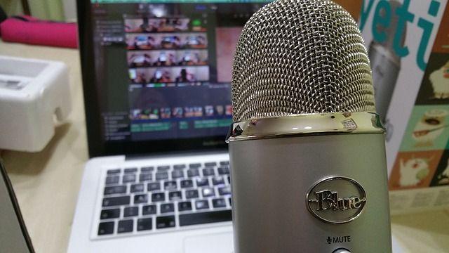 Un podcast nu ajunge profitabil peste noapte, ci necesita destul de multa munca. Cele mai populare prodcast-uri au experti dedicati care stiu ce fel de informatii sa ofere audientei sau persoanelor care ii urmaresc. Asadar, pentru a ajunge sa ai un podcast de succes va trebui sa muncesti din greu. Daca consideri ca esti pregatit, te invitam sa citesti randurile urmatoare - http://visudamarketing.ro/cum-sa-construiesti-un-podcast-profitabil/