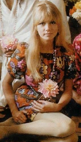 Pattie Boyd.  Possibly my favorite photo of her -LWL