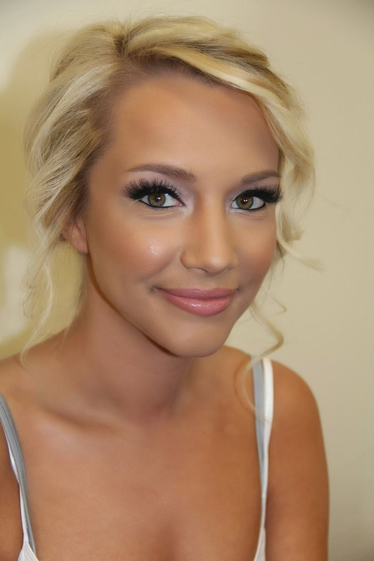 Kissable Complexions // I LOVE this makeup artists site! SO gorgeous.... this bride is wearing foundation from Glamair