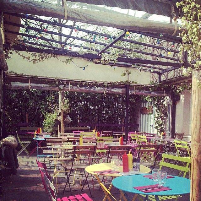 Les Mondes Bohèmes la jolie terrasse isolée #home #20eme #paris #fooding