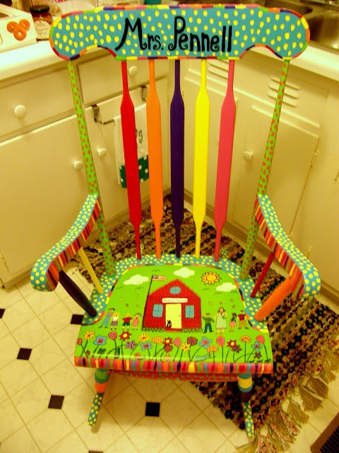 That's So Second Grade!: Monday Made It: Teacher Rocking Chair @Brandi Lewis - look at this colorful chair!