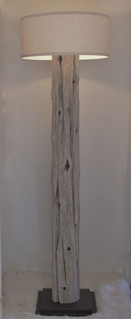 Tall driftwood lamp ... gorgeous and easy DIY ...