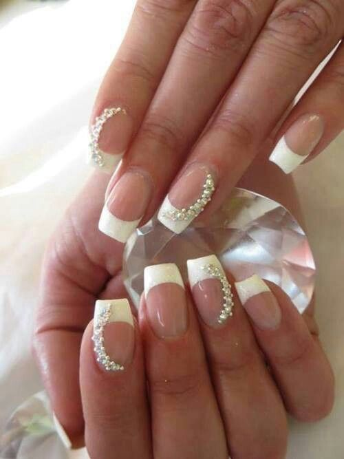 unghie gel nail art sposa con french e perle
