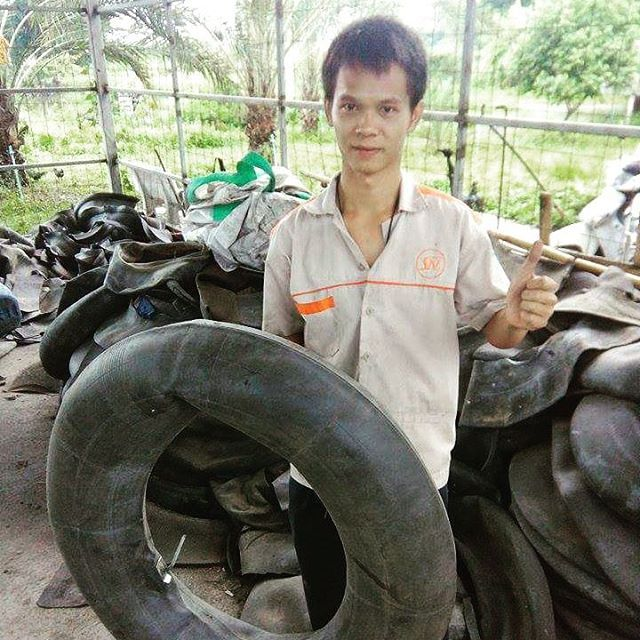 Recycle Creative - Collecting Inner Tube