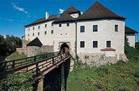 Nové Hrady - gotický hrad založený ve 13. století