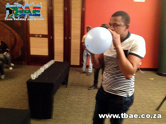 Competing in a Minute To Win It Team Building Challenge #SAB #TeamBuilding #MinuteToWinIt