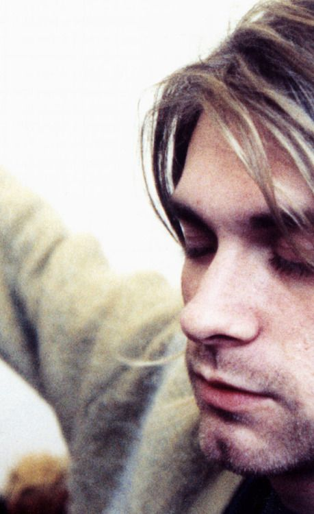 "...""I'd rather be hated for who I am than loved for who I am not."" -Kurt Cobain,my first love...§"