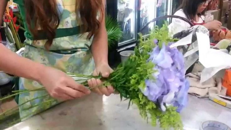http://www.singaporeflorist.com.sg/ is one of the oldest florists in Singapore. Singapore Florist has thousands of varieties of Flower arrangements, unique for every occasion. Free Home Delivery in Singapore - Contact Singapore Florist now.