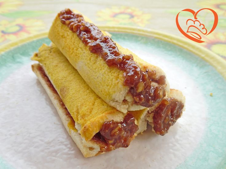 Rotolini di pancarre' al forno con crema alle nocciole http://www.cuocaperpassione.it/ricetta/01381f4c-9f72-6375-b10c-ff0000780917/Rotolini_di_pancarre_al_forno_con_crema_alle_nocciole