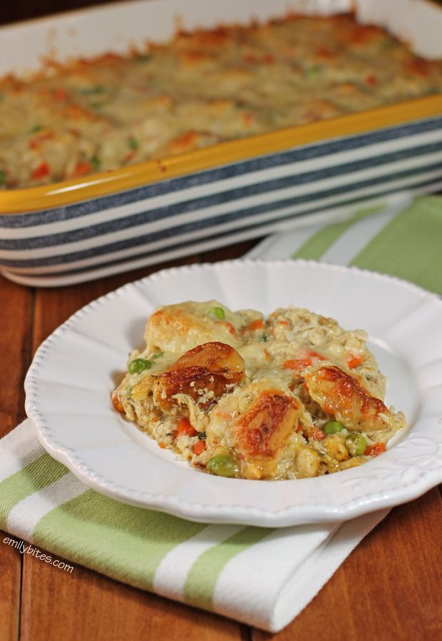 This Bubble Up Chicken Pot Pie Casserole is just the warm, comforting dish to warm you up this Winter. Just 318 calories or 9 Weight Watchers SmartPoints! www.emilybites.com #healthy