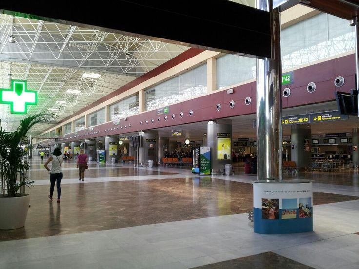 Aeropuerto de Tenerife Sur-Reina Sofía (TFS) in Granadilla de Abona, Canarias