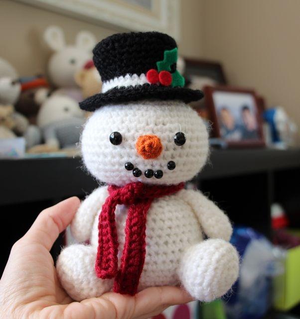 Free Amigurumi Snowman Patterns : 66 best images about Crochet Snowmen/Snowwomen on ...