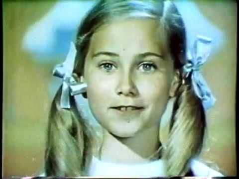 Here is one of three 1960's Barbie commercials starring Maureen McCormick with two ponytails. This was approximately two years before THE BRADY BUNCH first aired on television in 1969, so it was Maureen who came up with the hairstyle she would later wear for the entire first season of the show.