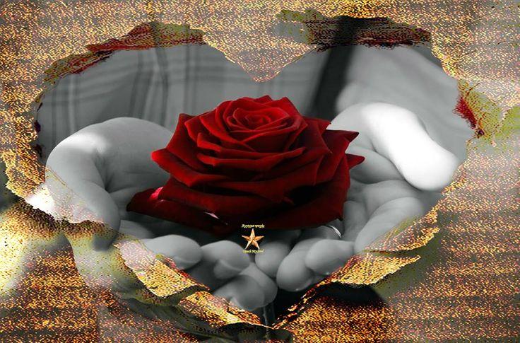 Στιγμές είναι τα όνειρα κι σκέψεις.. Στιγμές που μια ζωή κρατούν.. Στιγμές που τις κρατάς για πάντα στην καρδιά σου κι ας είναι μ' ένα φύσημα όλα θα χαθούν!!