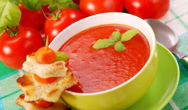 ¿Con ganas de algo diferente pero delicioso?  Un crema de tomate sería una excelente opción..
