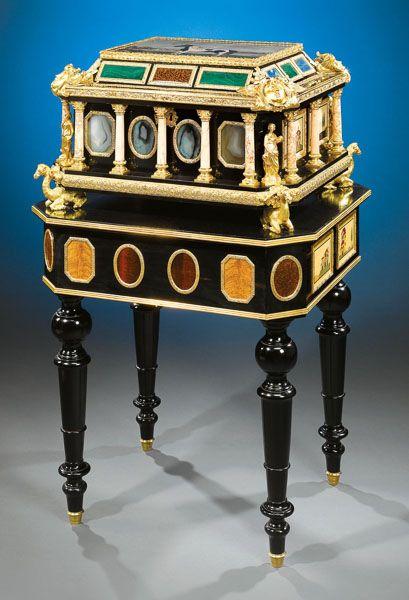 Rare and Extraordinary Pietre Dure Casket. Rare decorative art for sale on CuratorsEye.com