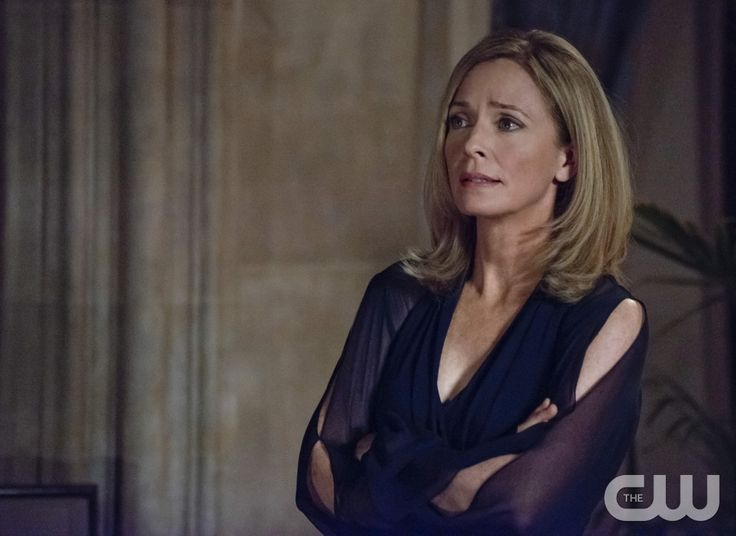 """Arrow -- """"The Undertaking"""" -- Image AR121a_0195b -- Pictured: Susanna Thompson as Moira Queen -- Photo: Cate Cameron /The CW -- © 2013 The CW Network. All Rights Reserved"""