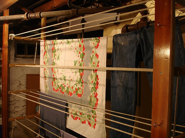 1000 ideas about indoor clothes lines on pinterest. Black Bedroom Furniture Sets. Home Design Ideas