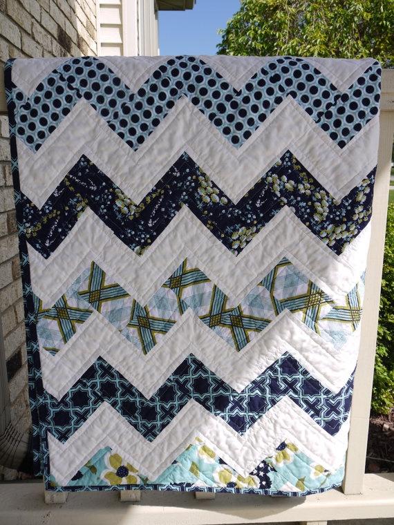 Hello Zig Zag Quilt Pattern : Best 25+ Zig zag pattern ideas on Pinterest Chevron quilt, Zig zag and White bean bags