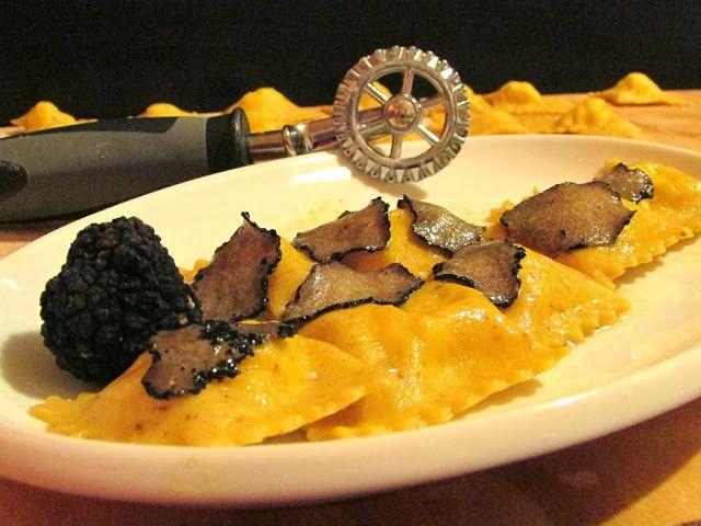 Ravioli ai funghi con fonduta al tartufo- ricetta su http://www.ravioli.it/rav-funghi.htm