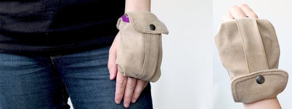 Cargo Wrist Wallet sewing pattern by TutorialGirl on Etsy